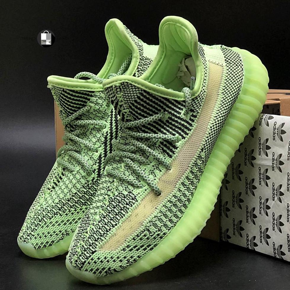 Рефлектив   Чоловічі кросівки в стилі Adidas Yeezy Boost 350 v2 Green Reflective