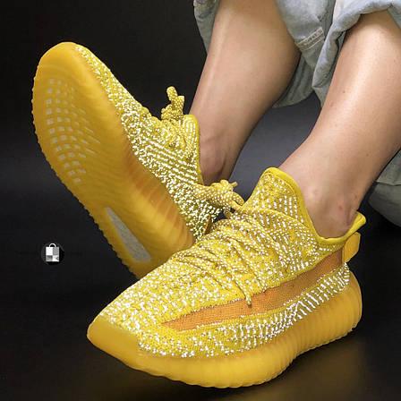 Рефлектив | Женские кроссовки в стиле Adidas Yeezy Boost 350 v2 Yellow Reflective, фото 2