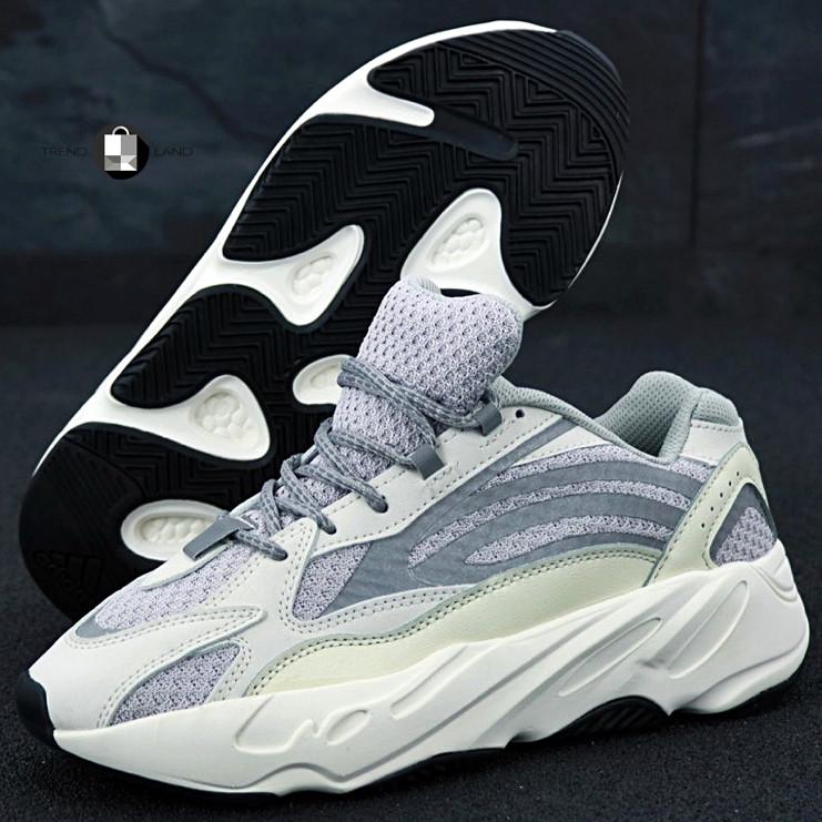 Рефлектив   Жіночі кросівки в стилі Adidas Yeezy Boost 700 V2 Static