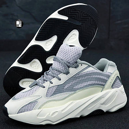 Рефлектив | Женские кроссовки в стиле Adidas Yeezy Boost 700 V2 Static, фото 2