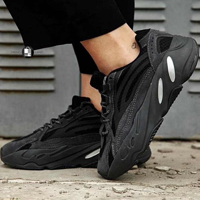 Рефлектив   Жіночі кросівки в стилі Adidas Yeezy Boost 700 V2 Vanta