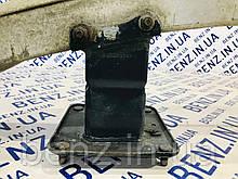 Кронштейн підсилювача заднього бампера лівий Mercedes W164, X164 A1646401131