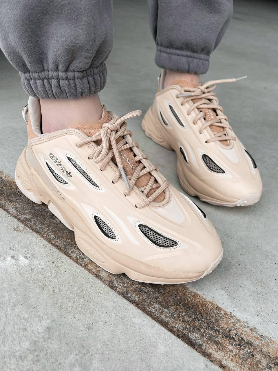 Кросівки жіночі бежевого кольору. Стильні жіночі кросівки бежеві.