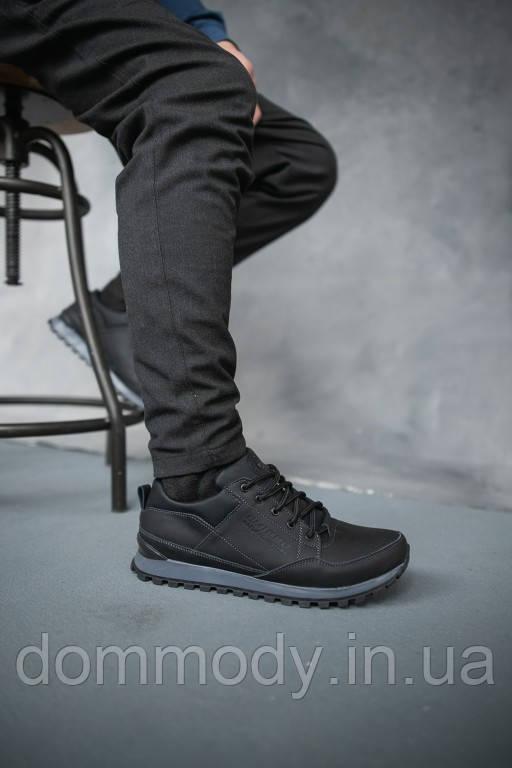 Кросівки чоловічі демісезонні чорного кольору