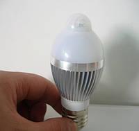 Лампочка с инфракрасным датчиком движения алюминиевый радиатор 3W E27