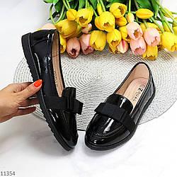 Модельные повседневные черные лаковые глянцевые женские мокасины