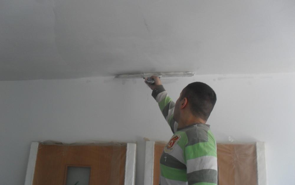 Шпатлевка потолков под поклейку обоев (со шлифовкой)