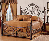 Двуспальная кровать с кованым изголовьем