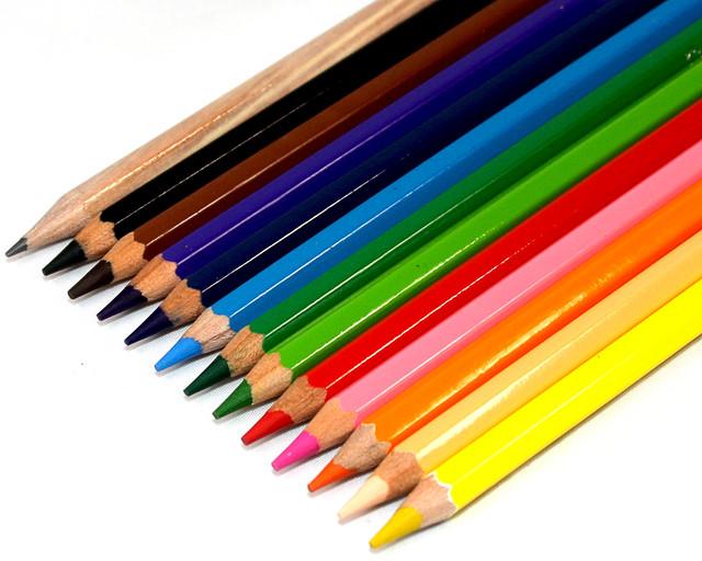 Набор из 12 цветов Диаметр грифеля 4,0мм Упаковка 12 наборов в картонной упаковке, 20 упаковок в коробке