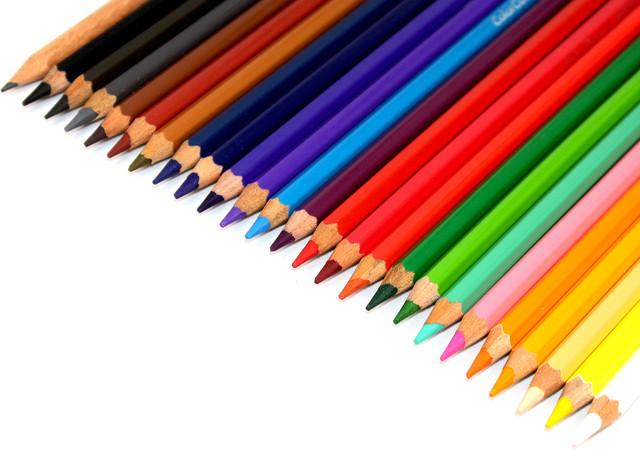 Набор из 24 цветов Диаметр грифеля 4,0мм Упаковка 6 наборов в картонной упаковке, 20 упаковок в коробке