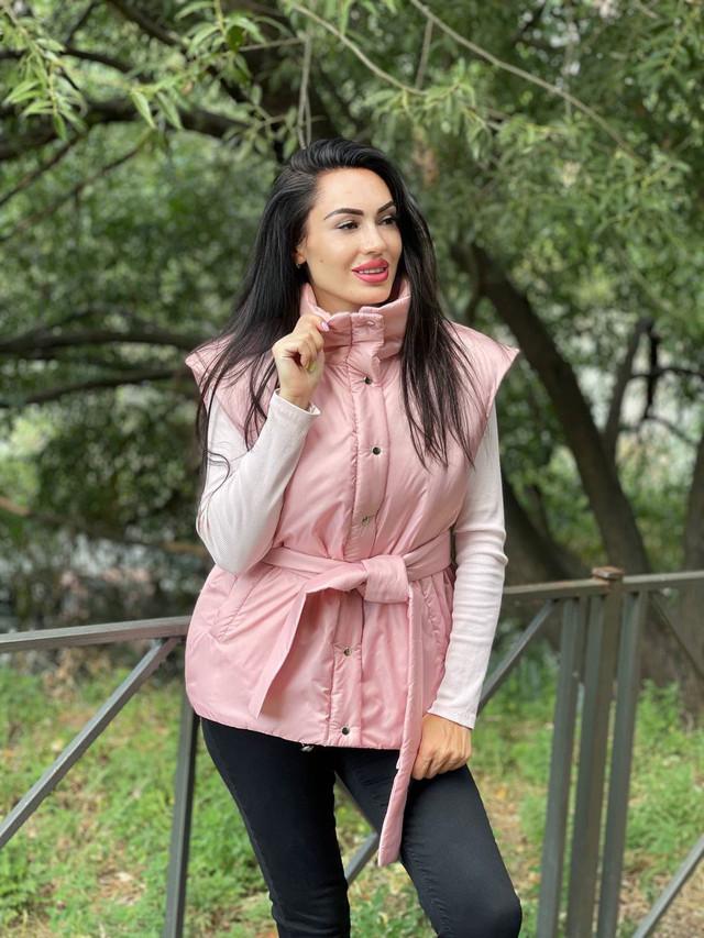 Осенняя жилетка для женщин на кнопках с поясом