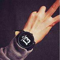 Наручні годинники та браслети