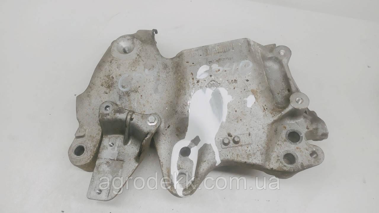 Кронштейн крепления двигателя правый Renault Trafic 1.6dCi 2014 112313054R