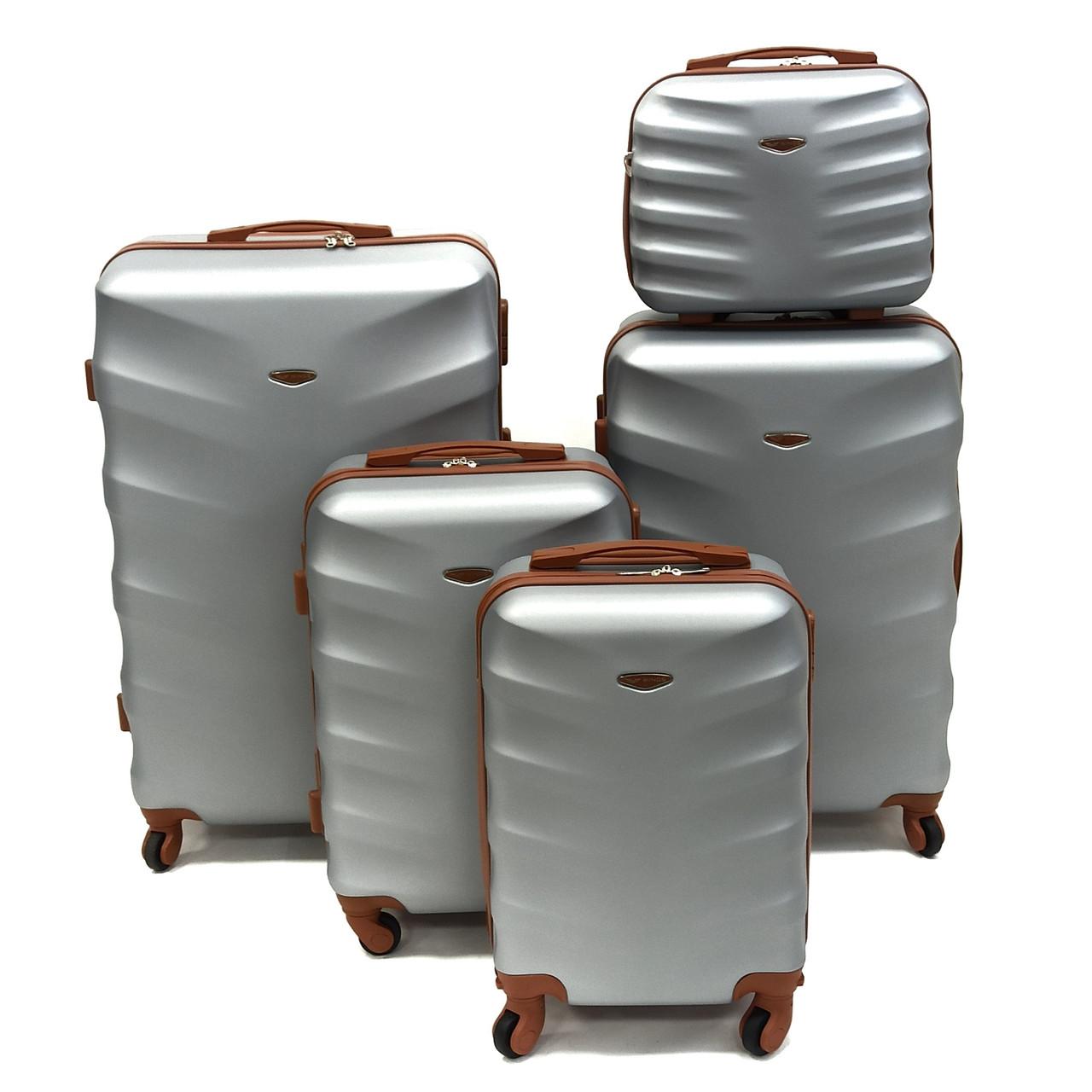 Великий дорожній чемодан поліпропілен срібло Арт.402 (L) Wings Польща