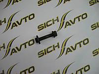 Болт развальный с гайкой  передний VITO W638 с 1996-2003 г.