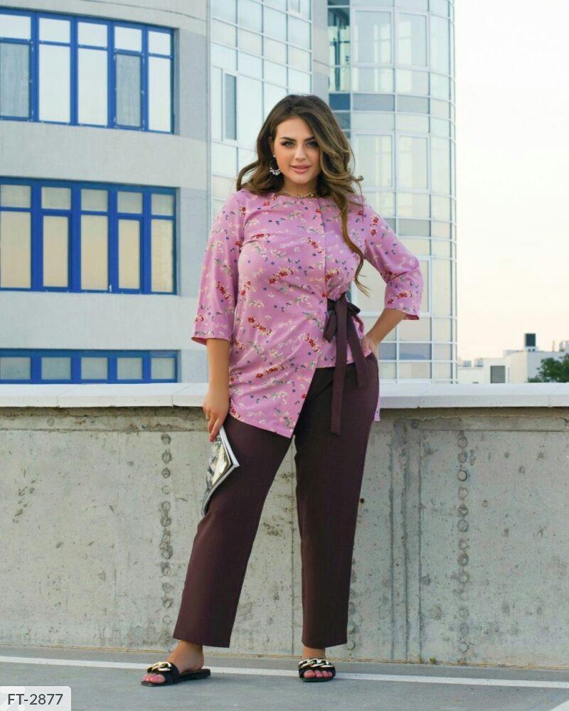 Елегантний брючний костюм двійка з асиметричною блузою в квітковий принт р: 50-52, 54-56, 58-60 арт. 7149/1