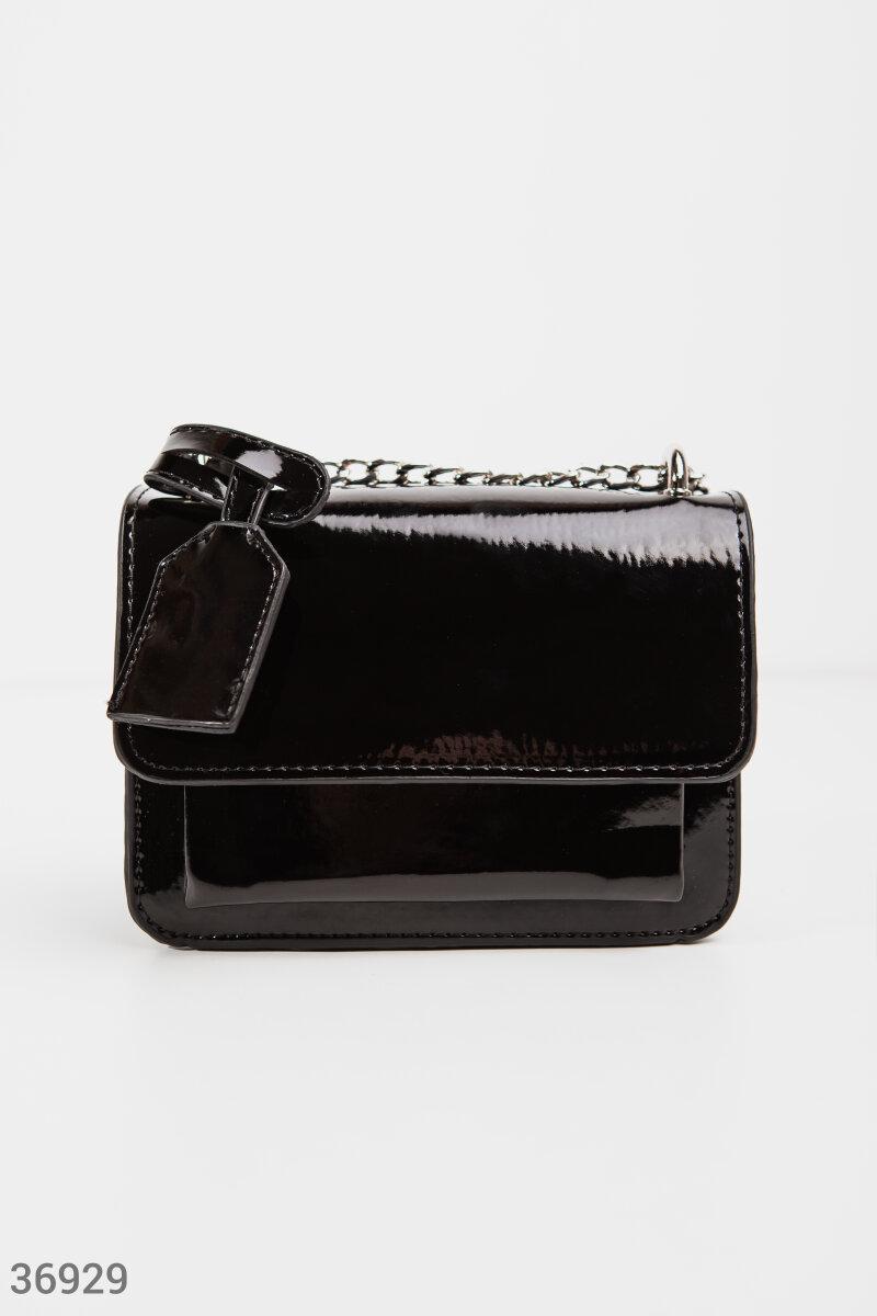 Миниатюрная лаковая сумка