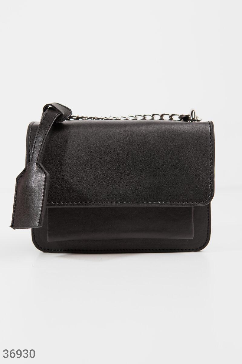 Маленькая сумочка с клапаном