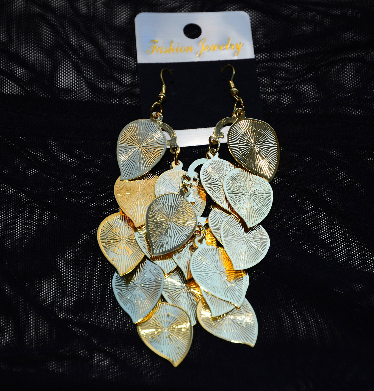 Большие бесподобные серьги сережки с висячими лепестками и листочками листьями под золото 082021