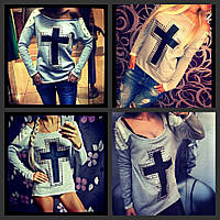 женская кофта с крестом и шипами