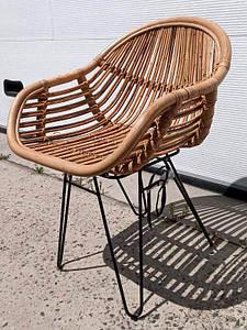 Плетенное крісло Cruzo Ніки з натурального ротанга на металлокаркасе