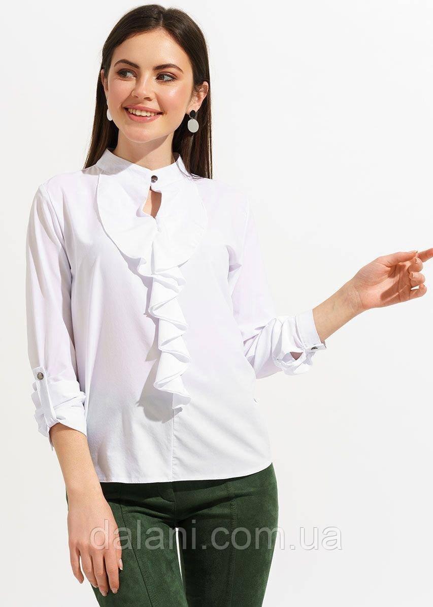 Женская белая блуза с длинным рукавом и оборками