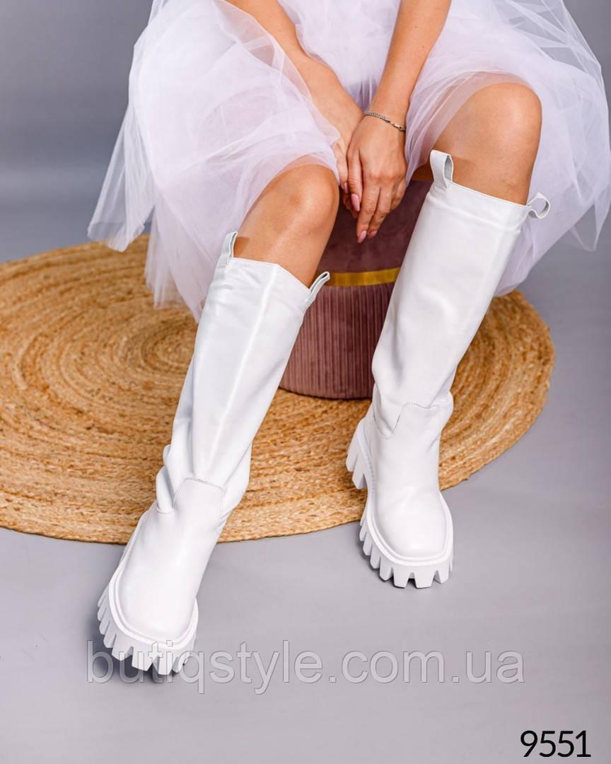 Женские белые сапоги-трубы натуральная кожа   Деми