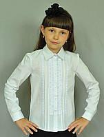 Стильна шкільна блуза з рюшами на комірці