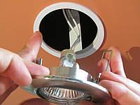 Монтаж точечного светильника (софит)