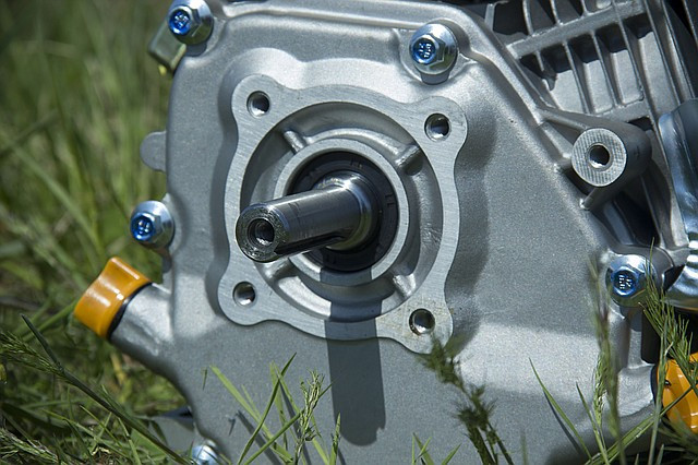 вал на двигателе Sadko GE-200 фото