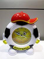 Интересный подарок - Сувенирные часы Футбол