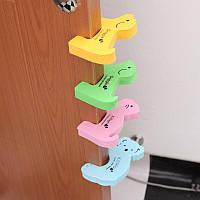 Защитная накладка / фиксатор / стоппер для дверей / блокиратор / держатель дверей / стопер дверной