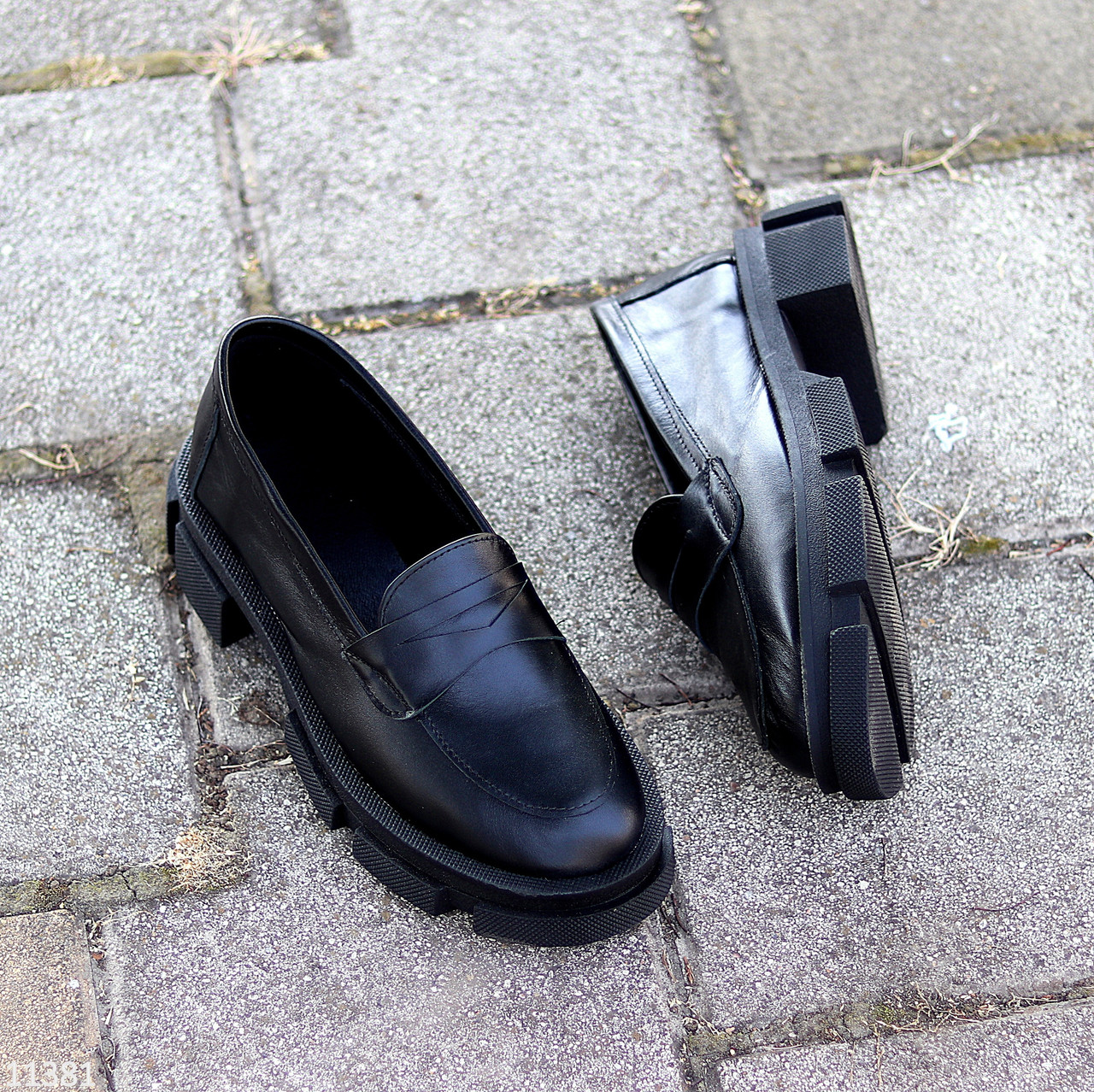 Молодежные черные кожаные женские туфли натуральная кожа низкий ход 36-23 / 38-24,5 / 40-25,5см