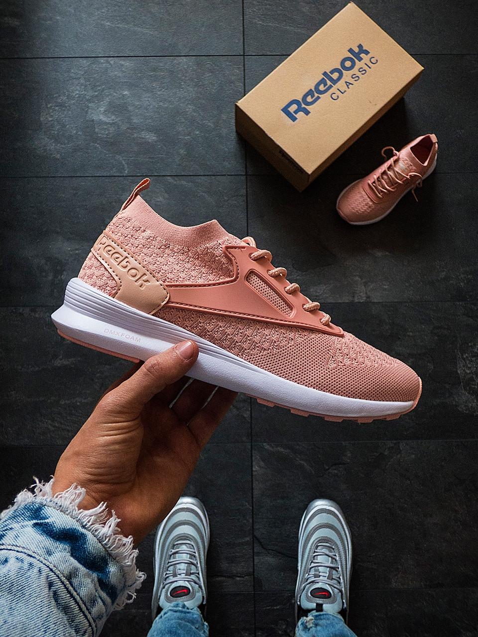 Кросівки жіночі Reebok рожеві (сітка)