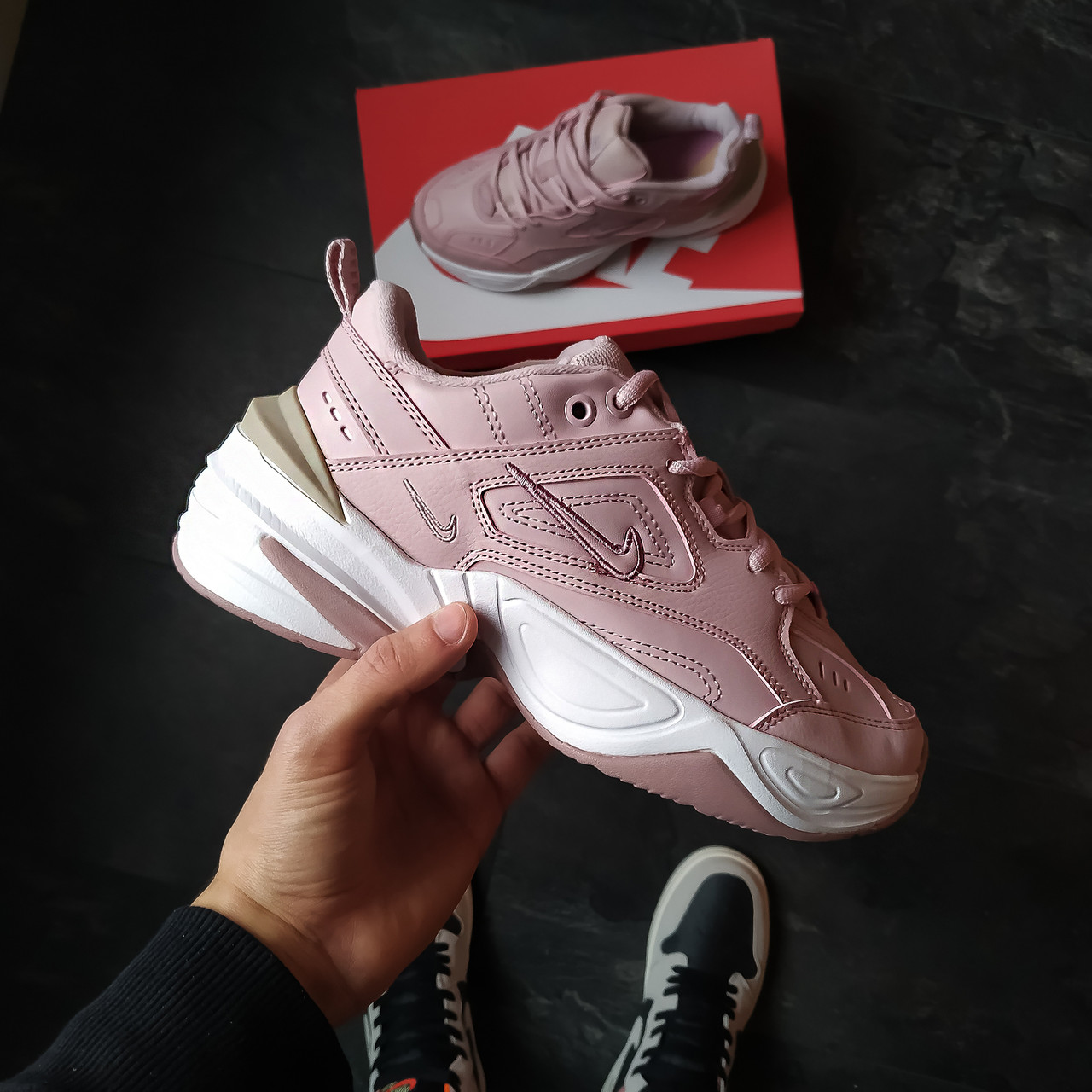 Женские кроссовки Nike M2K Tekno Розовые