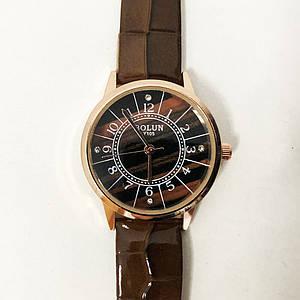 Стильні коричневі наручні годинники жіночі. З блискучому ремінцем. В чохлі. модель 27687