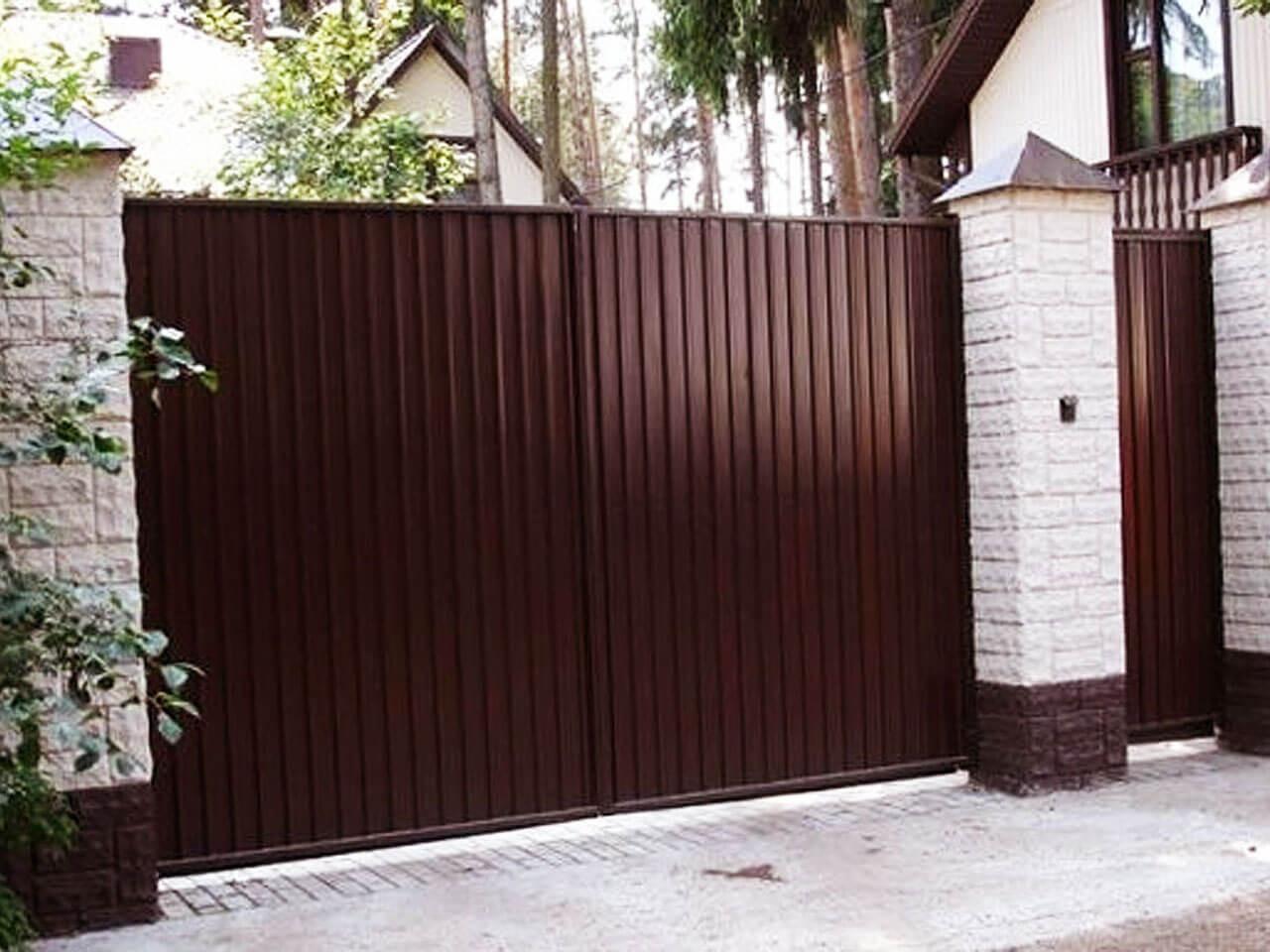 Распашные ворота наружу