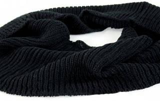 Черный теплый женский шарф-снуд Traum 2482-07