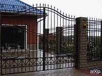 Ворота гаражные металлические распашные с калиткой