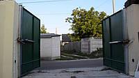 Ворота распашные с калиткой из профнастила