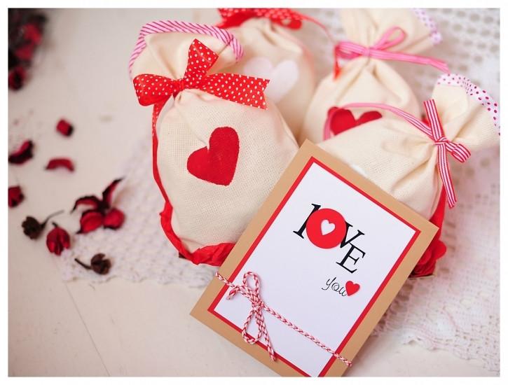 Подарунковий набір мішечки бувають з коханням