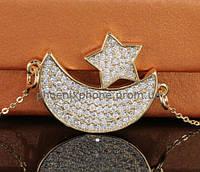 Милый кулон с множеством фианитов, покрытый золотом (341720)