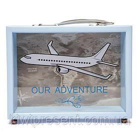 Копилка Самолет BST 710037 20х15 см. голубая с ручкой и ножками