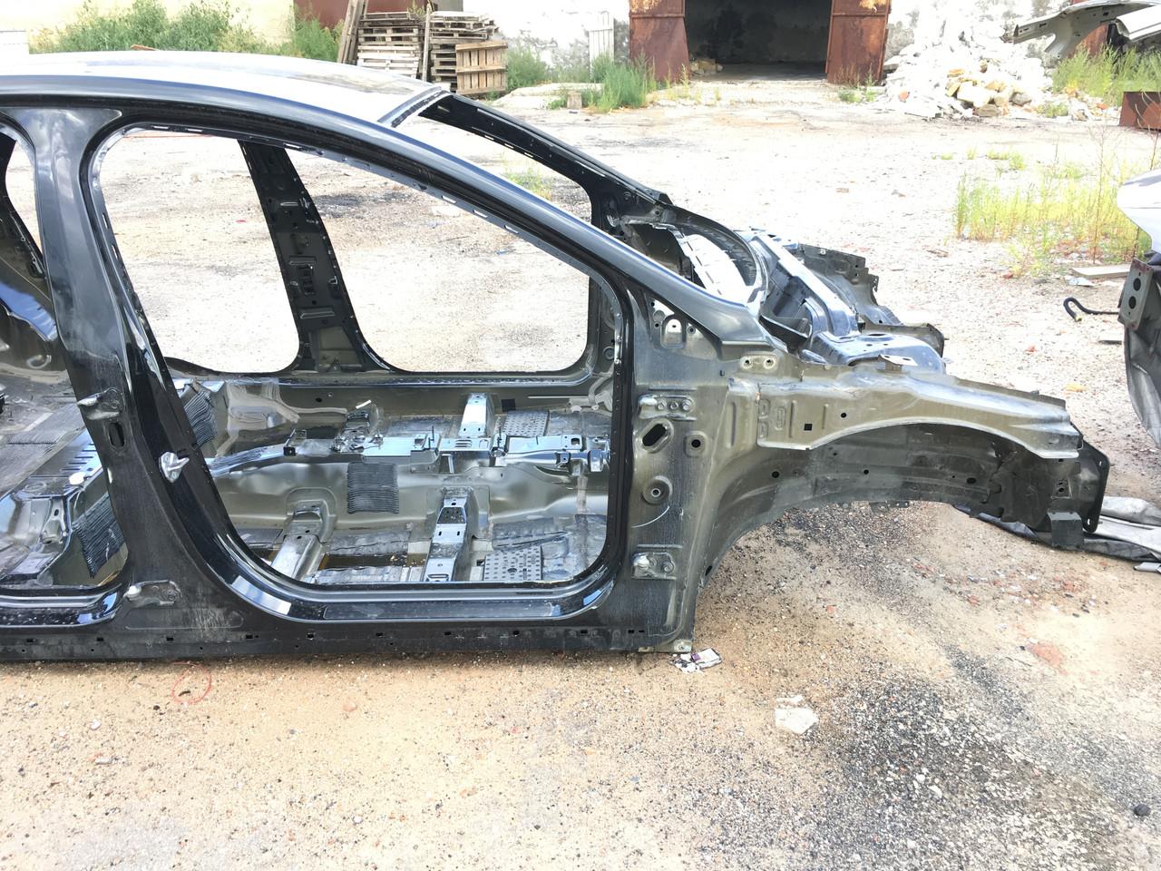 Чверть передня права Ford Fusion mk5 13 - DG9Z-16054-A