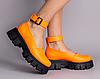 Туфлі жіночі шкіряні помаранчеві на масивній підошві