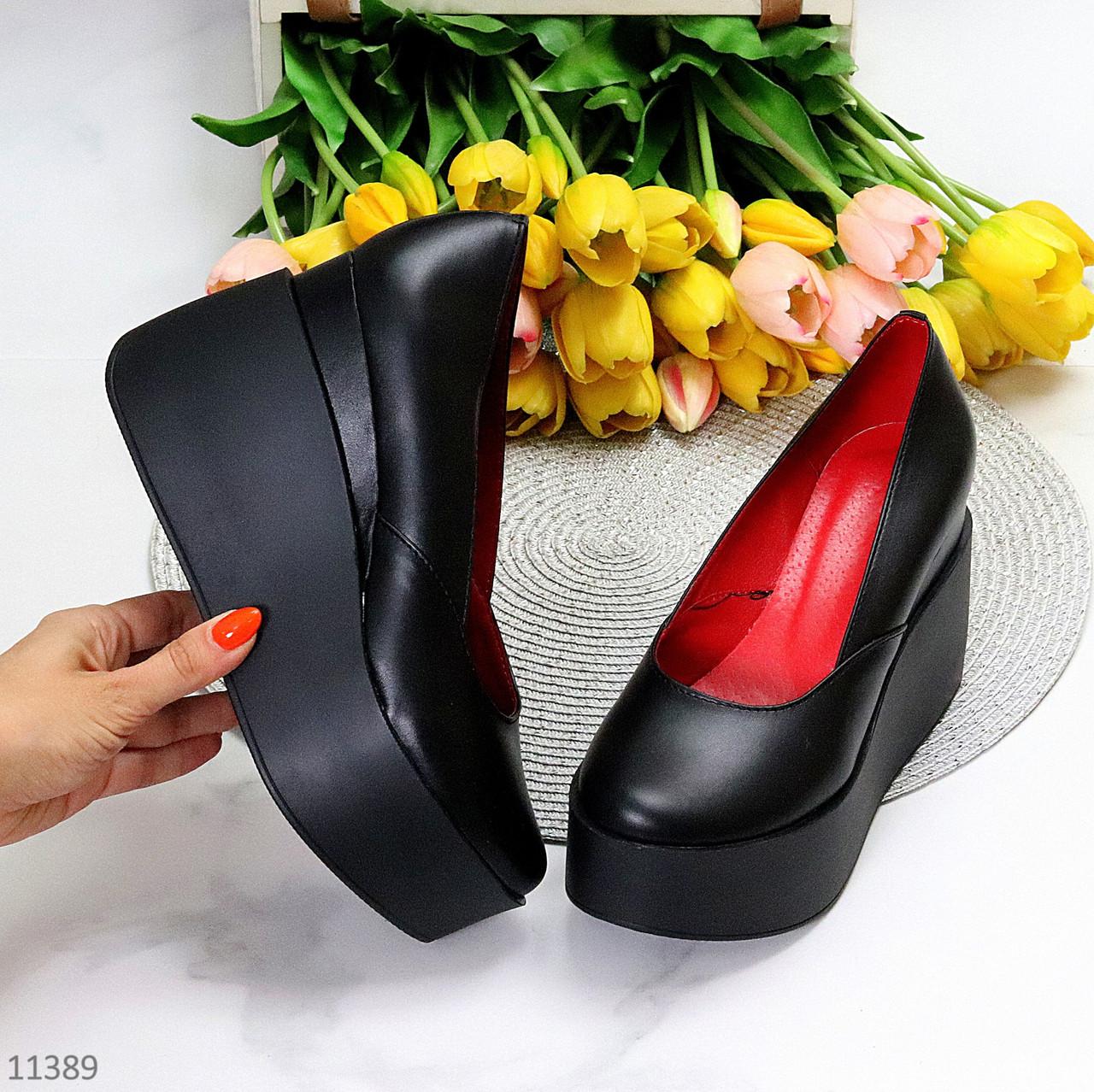 Модельні жіночі шкіряні чорні туфлі натуральна шкіра на платформі танкетці