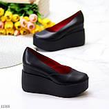 Модельні жіночі шкіряні чорні туфлі натуральна шкіра на платформі танкетці, фото 8