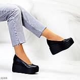 Модельні жіночі шкіряні чорні туфлі натуральна шкіра на платформі танкетці, фото 9
