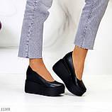 Модельні жіночі шкіряні чорні туфлі натуральна шкіра на платформі танкетці, фото 10