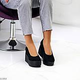Модельні жіночі чорні замшеві туфлі натуральна замша на платформі танкетці, фото 6